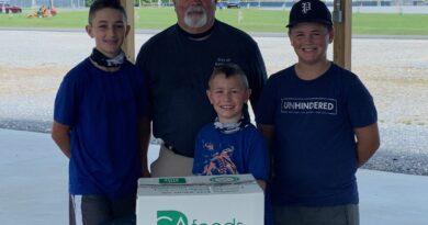 Rainsville Holds USDA Farms To Families Food Give Away